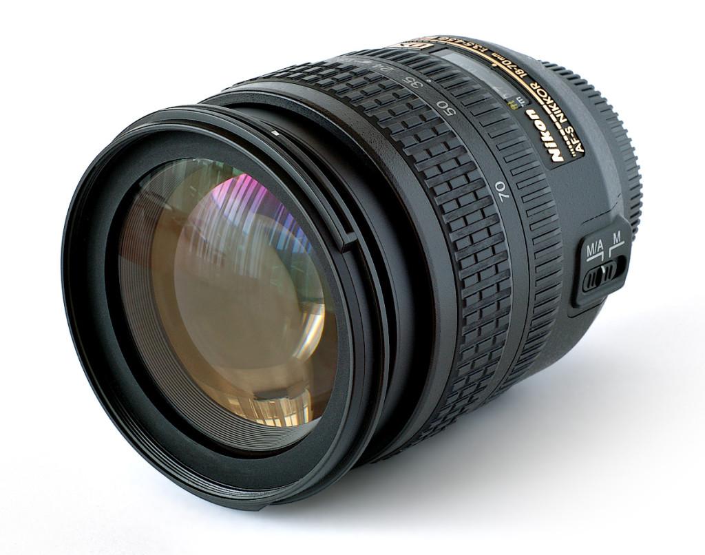 Lens_Nikkor_18-70mm
